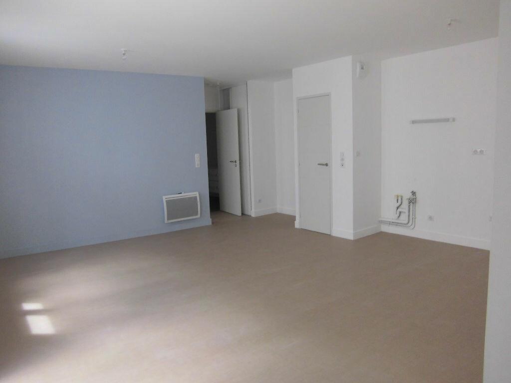 Achat Appartement 2 pièces à Rochefort - vignette-3