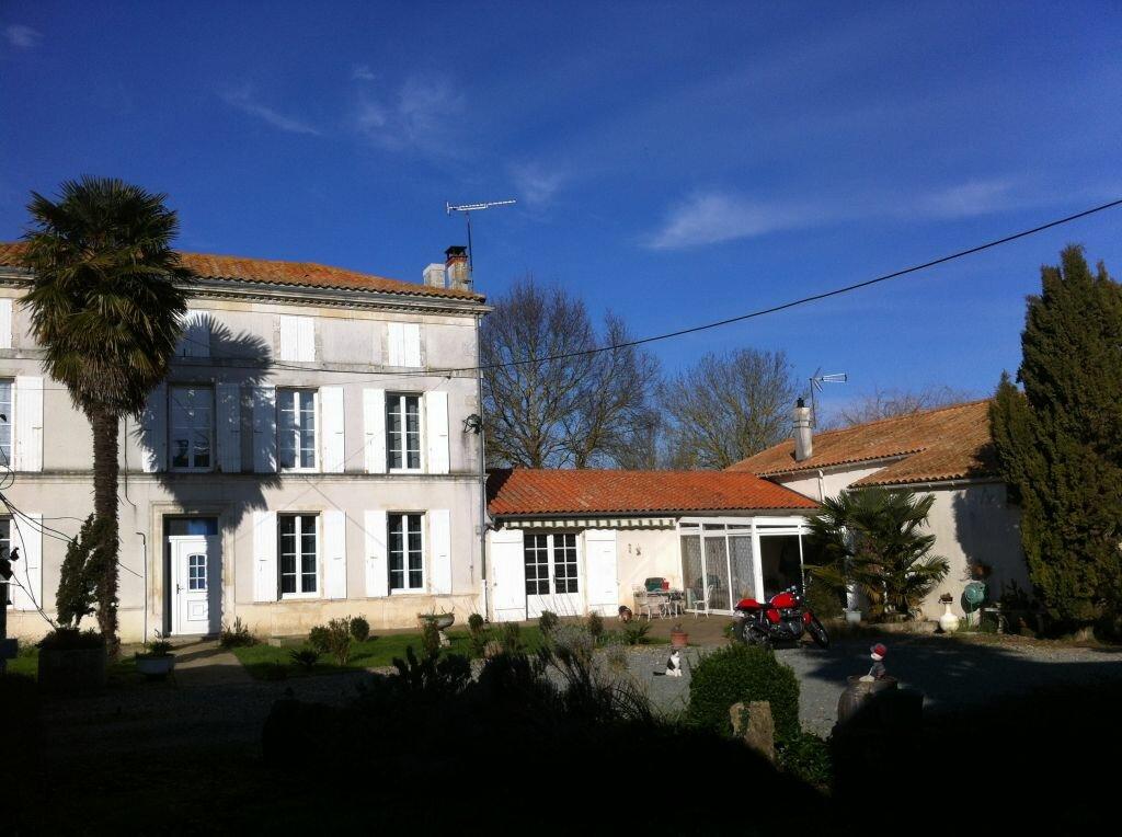 Achat Maison 8 pièces à Tonnay-Charente - vignette-1