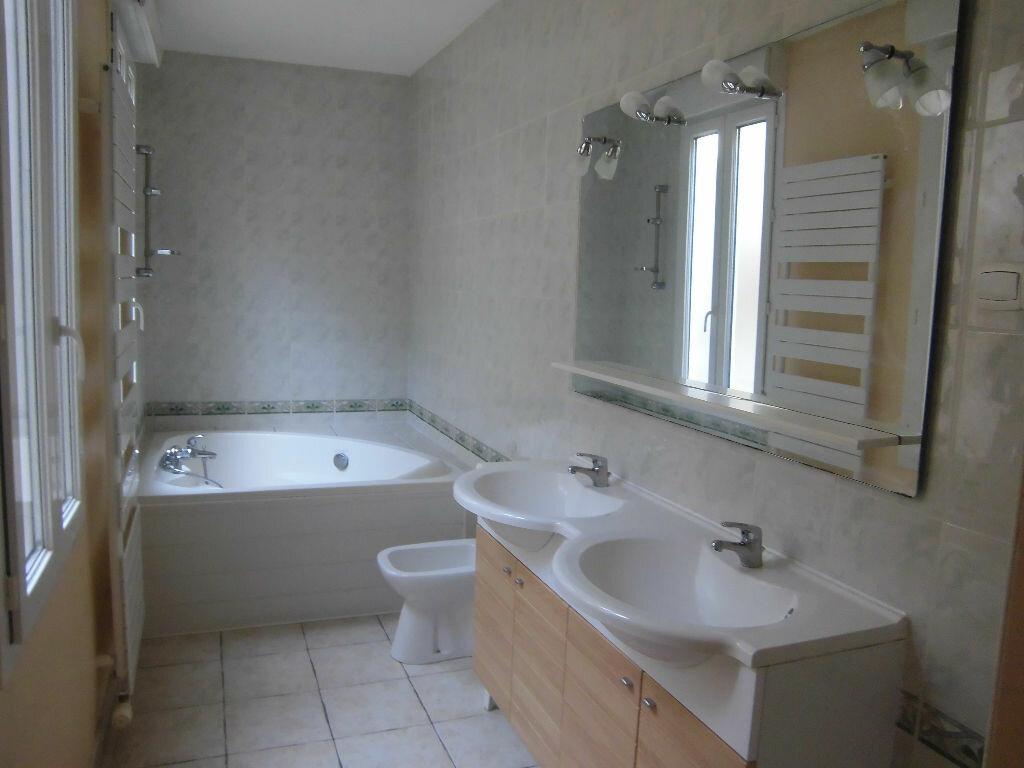 Achat Appartement 4 pièces à Rochefort - vignette-5