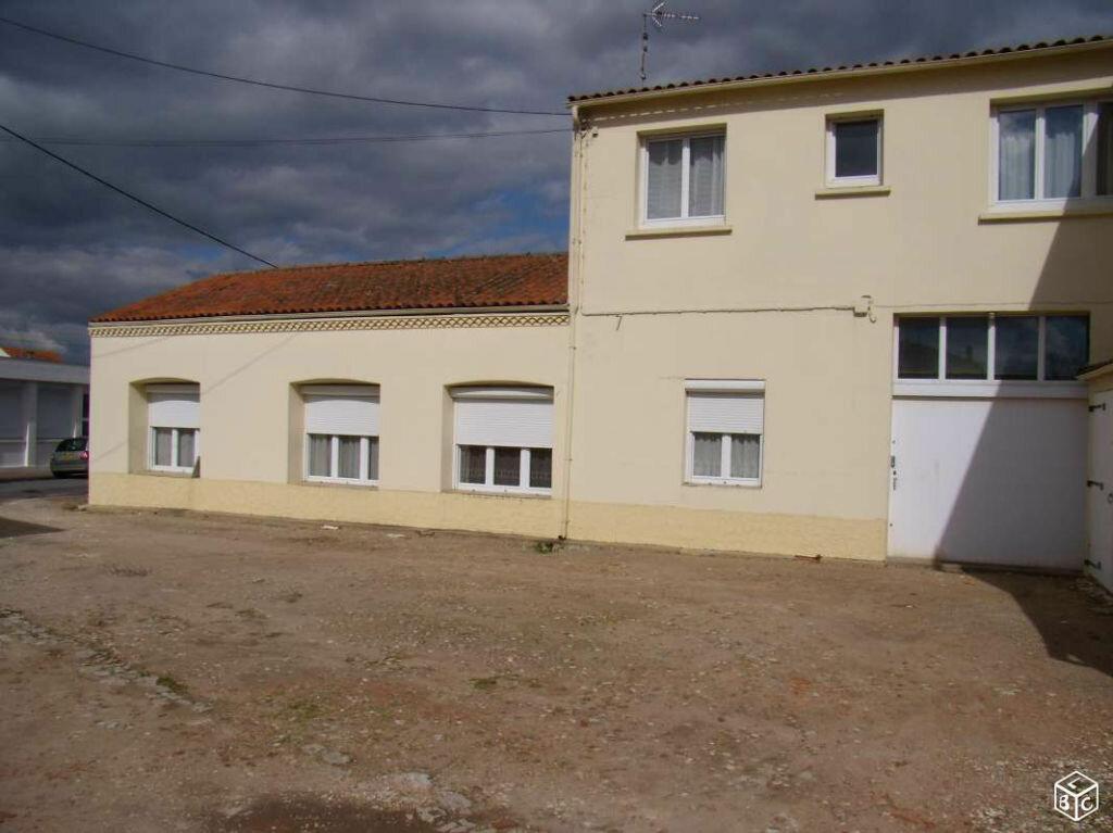 Achat Appartement 3 pièces à Rochefort - vignette-3