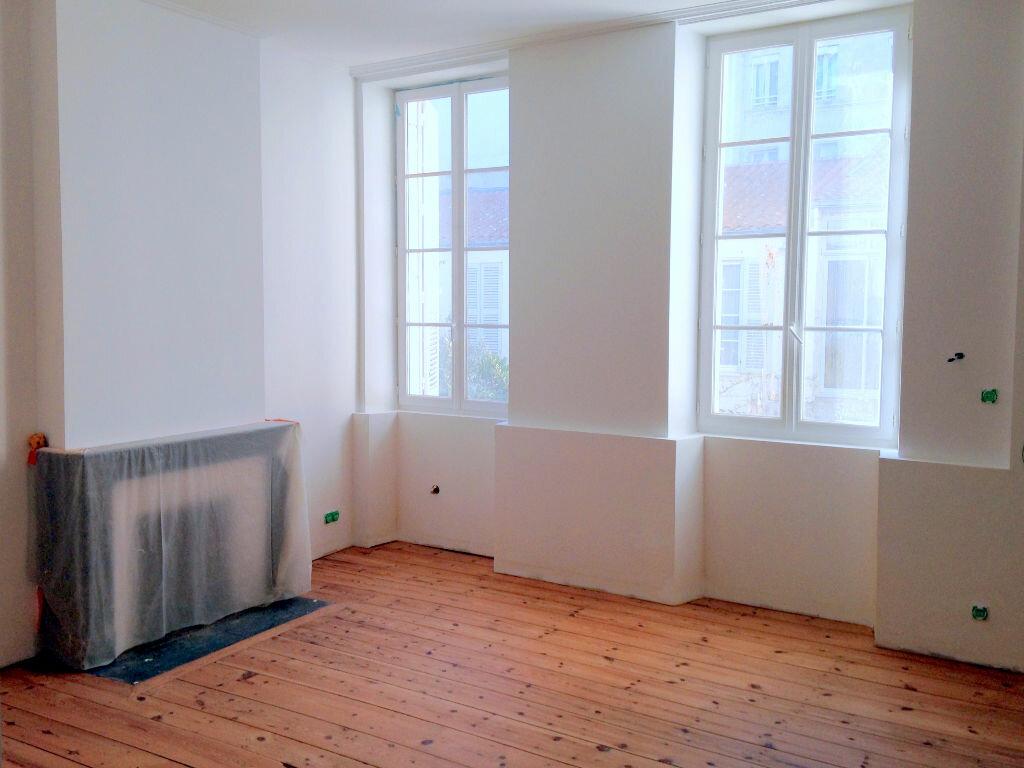 Achat Appartement 3 pièces à Rochefort - vignette-1