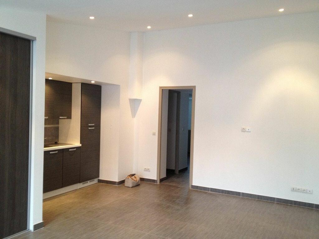 Location Appartement 2 pièces à Livry-Gargan - vignette-3