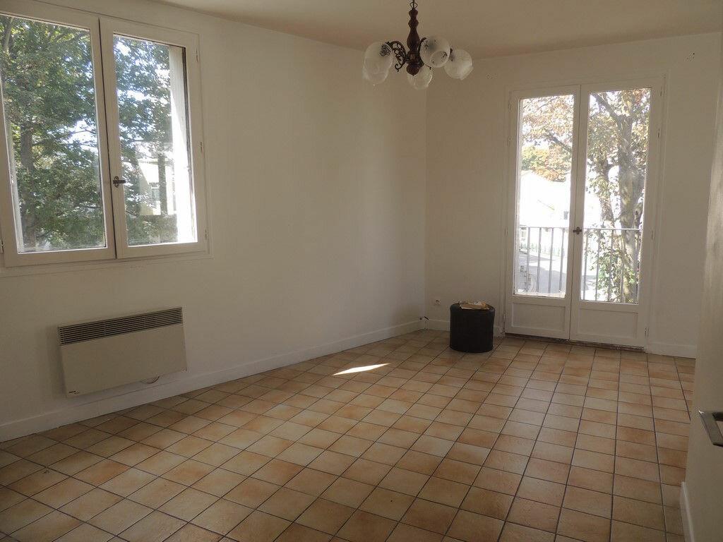 Location Appartement 2 pièces à Sevran - vignette-1