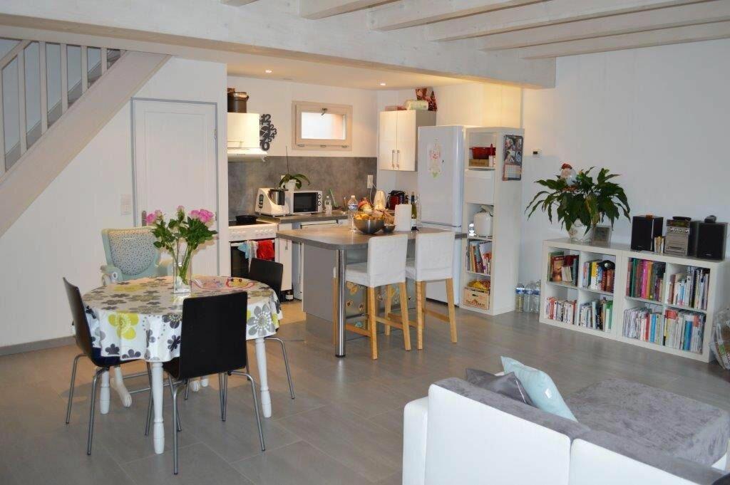 Location Appartement 3 pièces à Cuvat - vignette-1