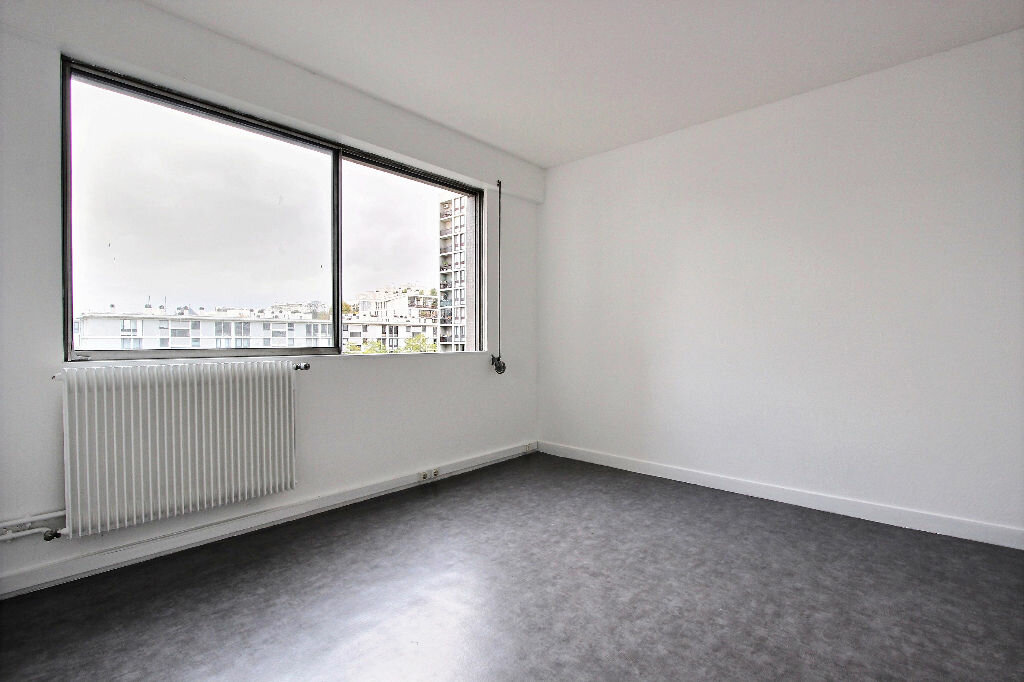 Achat Appartement 4 pièces à Paris 20 - vignette-6