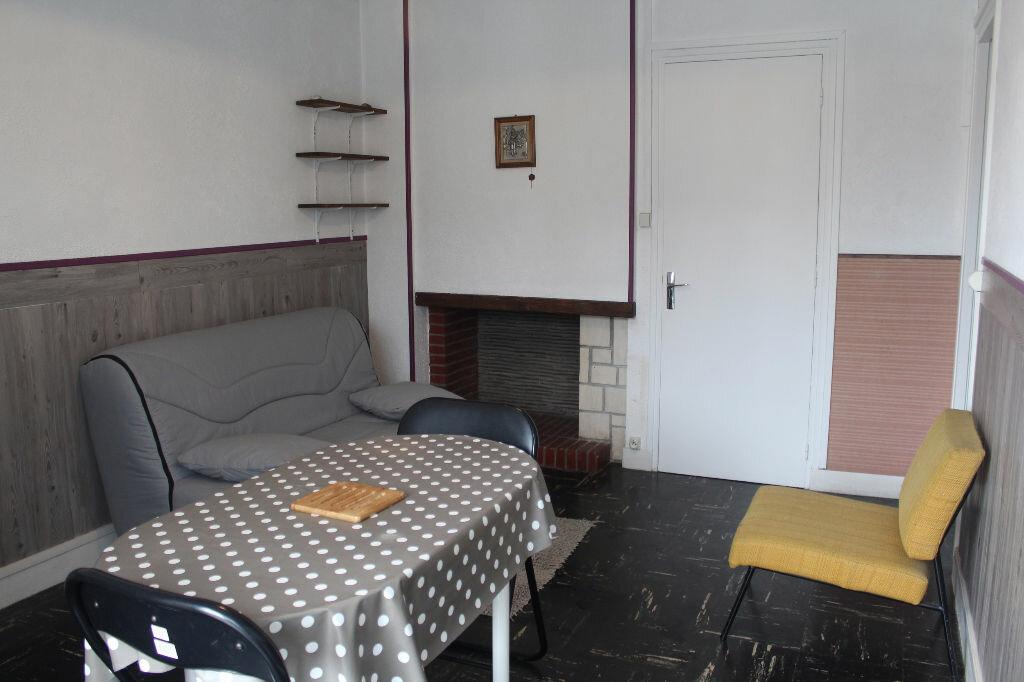Achat Appartement 1 pièce à Saint-Valery-en-Caux - vignette-1
