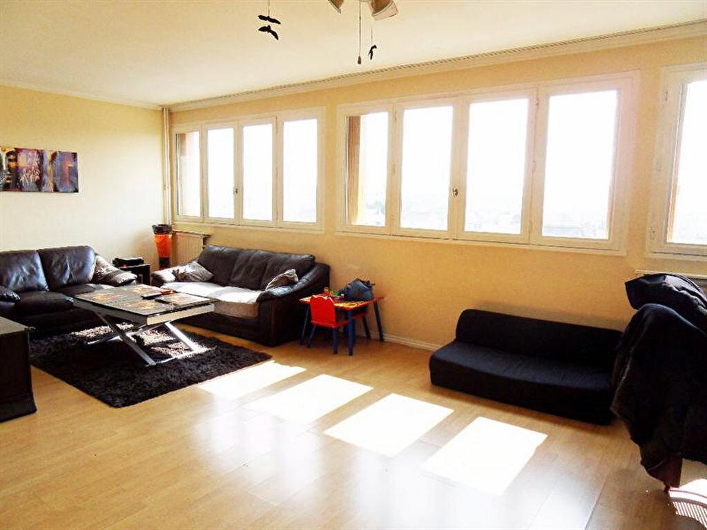 Achat Appartement 5 pièces à Neuilly-sur-Marne - vignette-1
