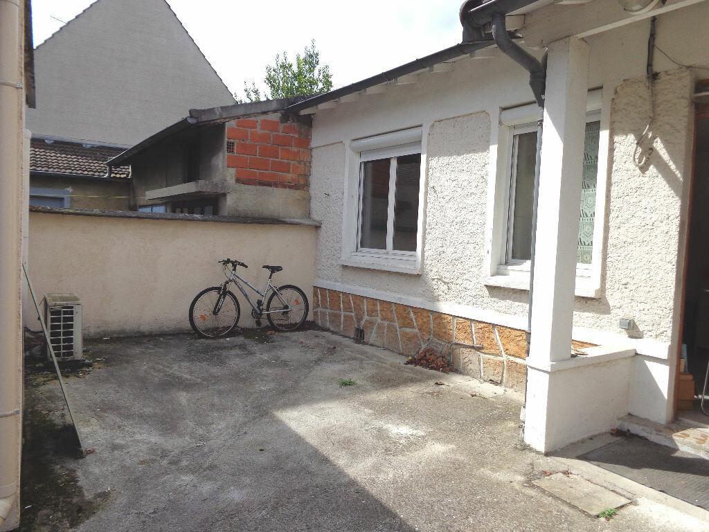 Achat Maison  à Neuilly-sur-Marne - vignette-1