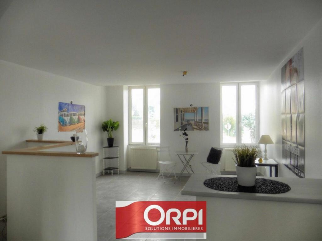 Achat Appartement 2 pièces à Les Avenières - vignette-1