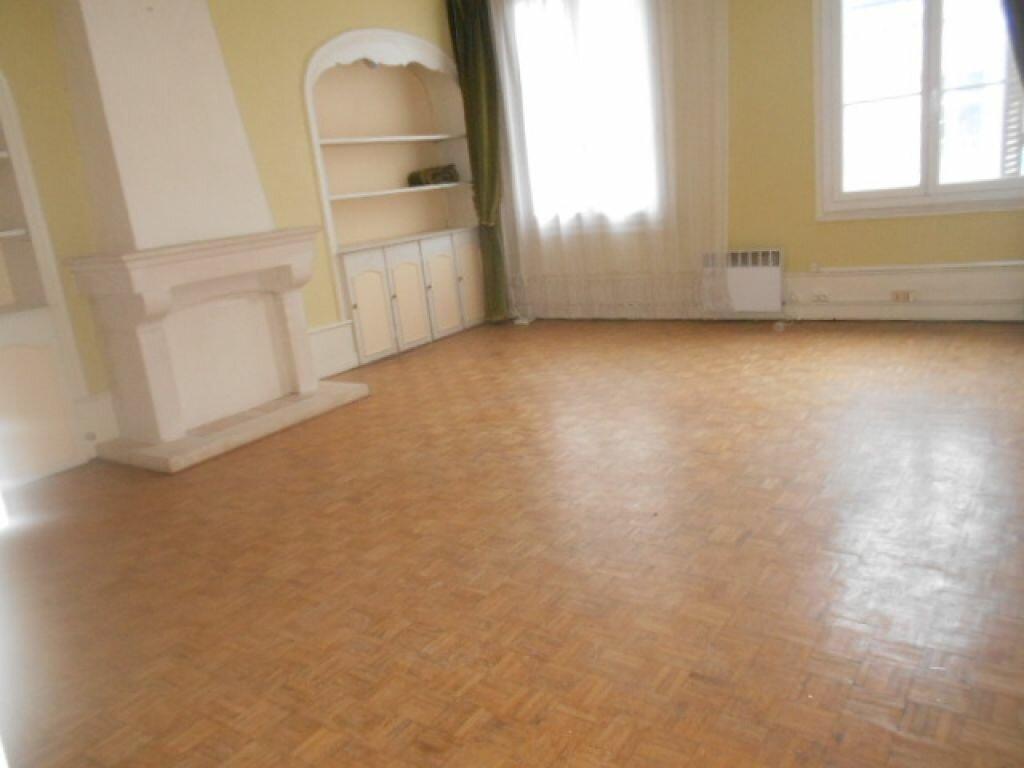 Location Appartement 5 pièces à Saint-Julien-de-Chédon - vignette-1