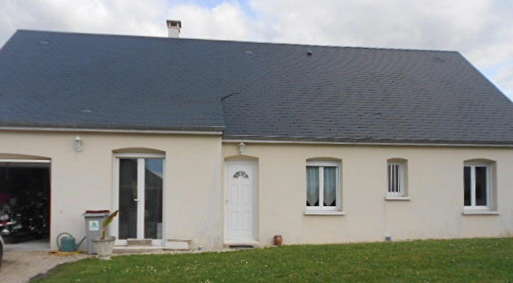 Location Maison 5 pièces à Saint-Julien-de-Chédon - vignette-1