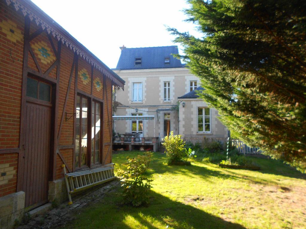 Achat Maison 10 pièces à Bléré - vignette-1