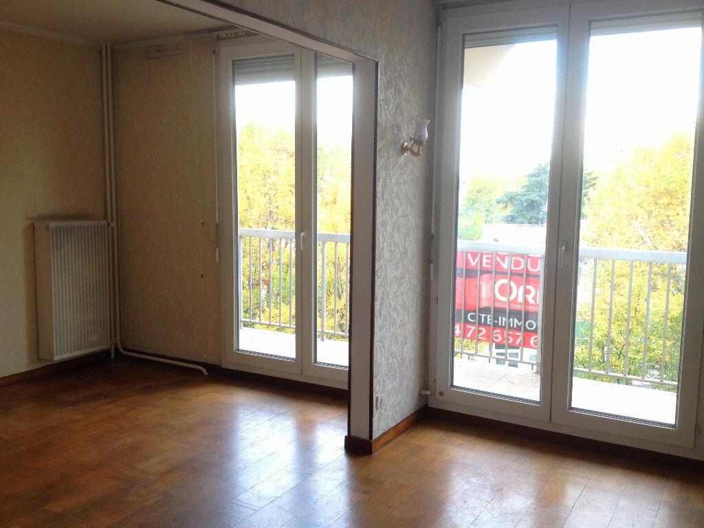Achat Appartement 4 pièces à Vaulx-en-Velin - vignette-4