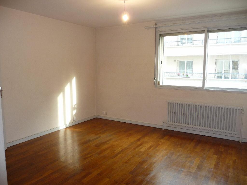 Achat Appartement 1 pièce à Villeurbanne - vignette-1