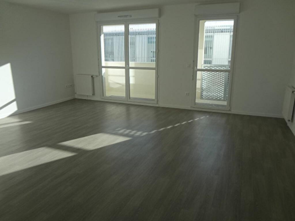 Achat Appartement 4 pièces à Fosses - vignette-2
