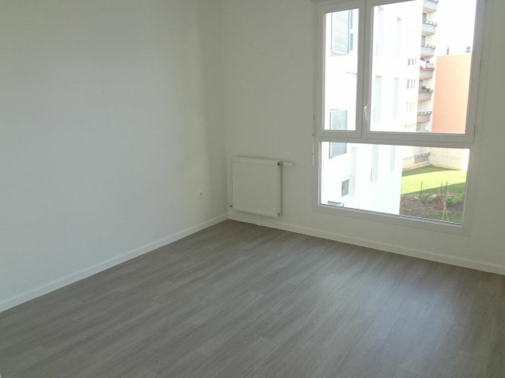 Achat Appartement 4 pièces à Fosses - vignette-4