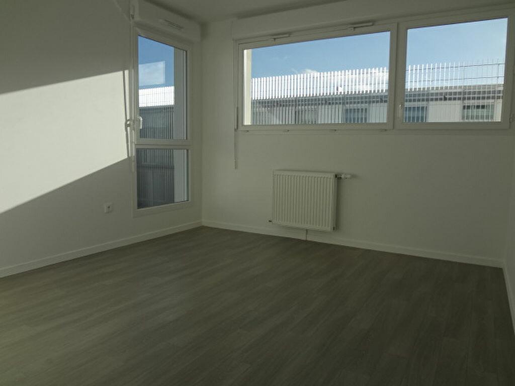 Achat Appartement 4 pièces à Fosses - vignette-5