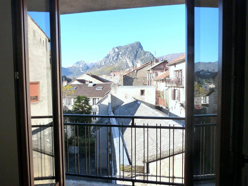 Achat Maison 5 pièces à Tarascon-sur-Ariège - vignette-2