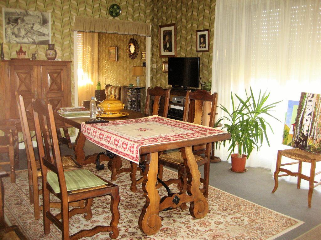 Achat Appartement 5 pièces à Mérignac - vignette-1