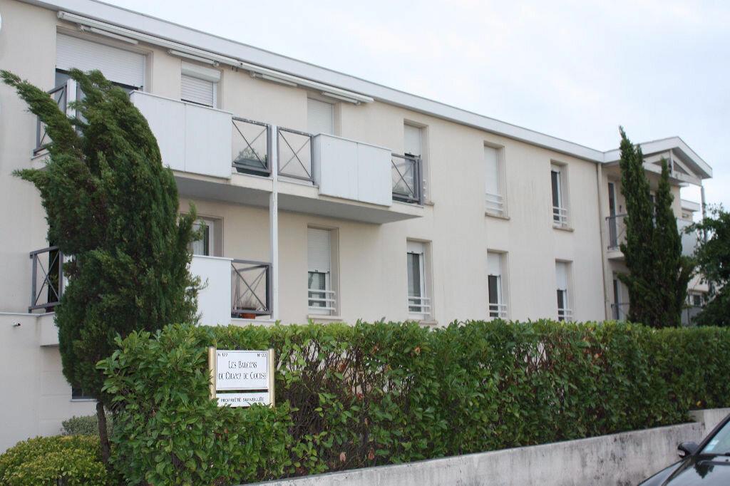 Location Appartement 3 pièces à Le Bouscat - vignette-1