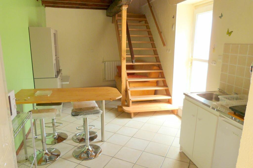 Location Appartement 4 pièces à La Boisse - vignette-1