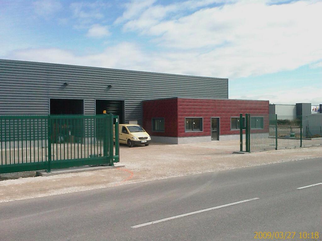 Location Entrepôt  à Béligneux - vignette-1