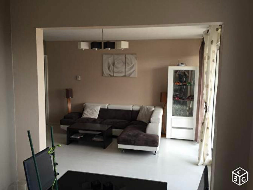 Achat Appartement 5 pièces à Saint-Maurice-de-Beynost - vignette-1
