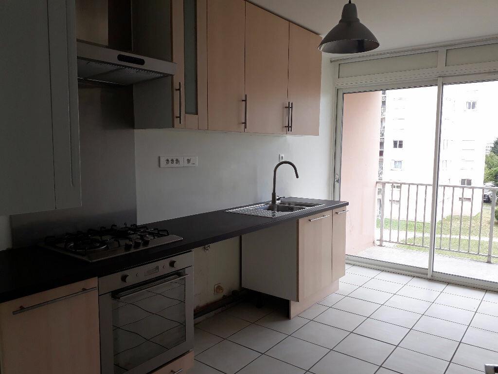 Achat Appartement 5 pièces à Saint-Maurice-de-Beynost - vignette-2