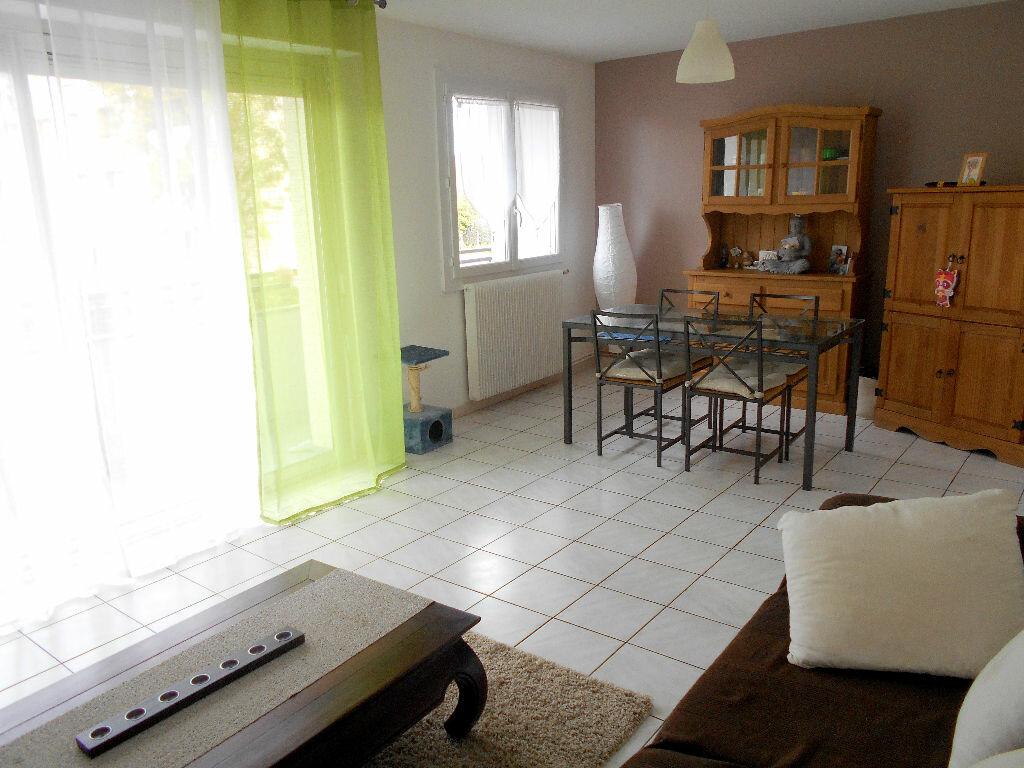 Achat Appartement 4 pièces à Mérignac - vignette-1