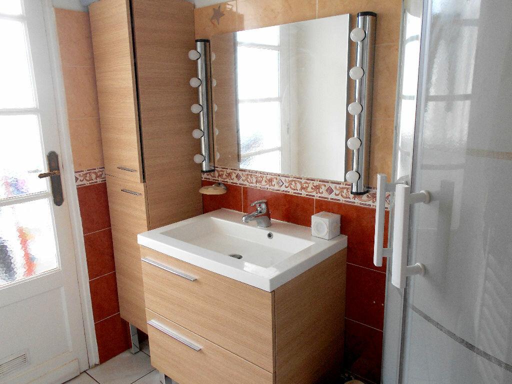 Achat Appartement 4 pièces à Mérignac - vignette-4