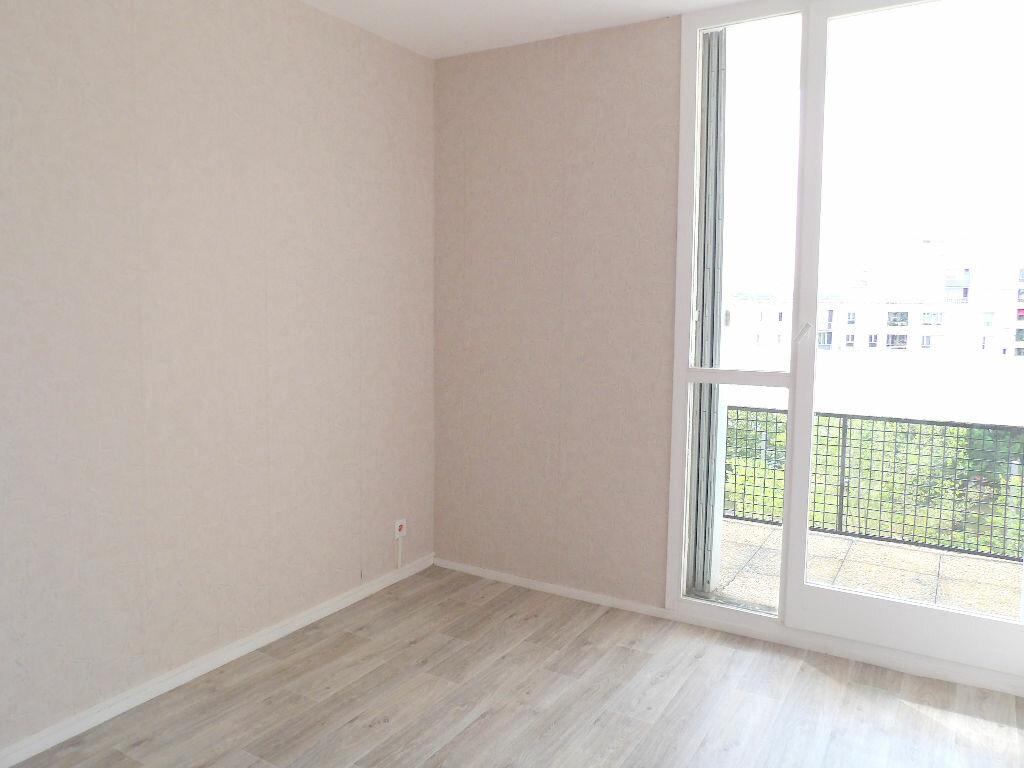 Achat Appartement 4 pièces à Mérignac - vignette-2