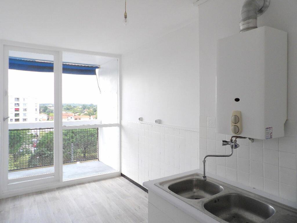 Achat Appartement 4 pièces à Mérignac - vignette-6