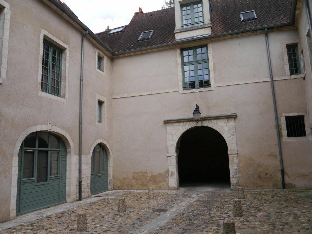 Location Appartement 1 pièce à La Charité-sur-Loire - vignette-1