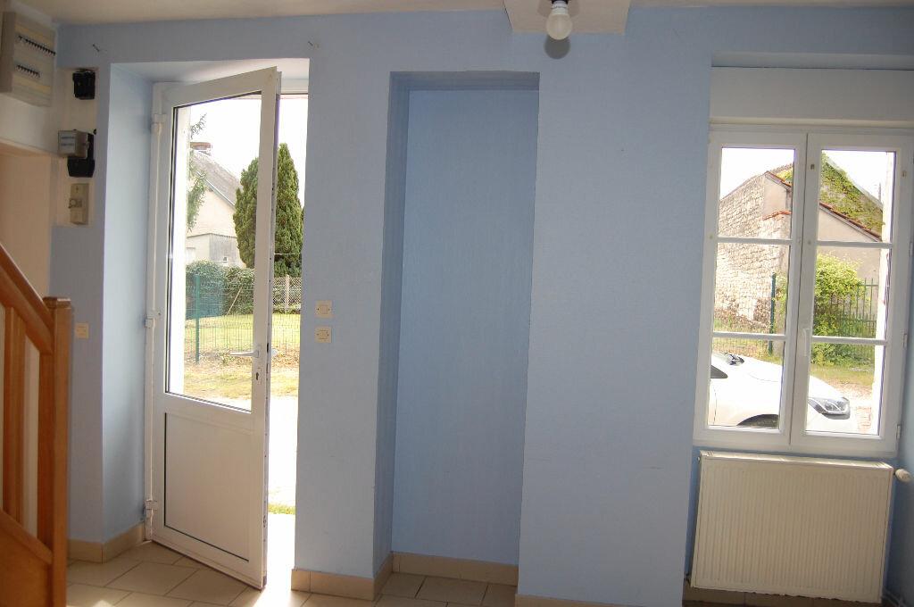 Location Maison 5 pièces à Veaugues - vignette-3