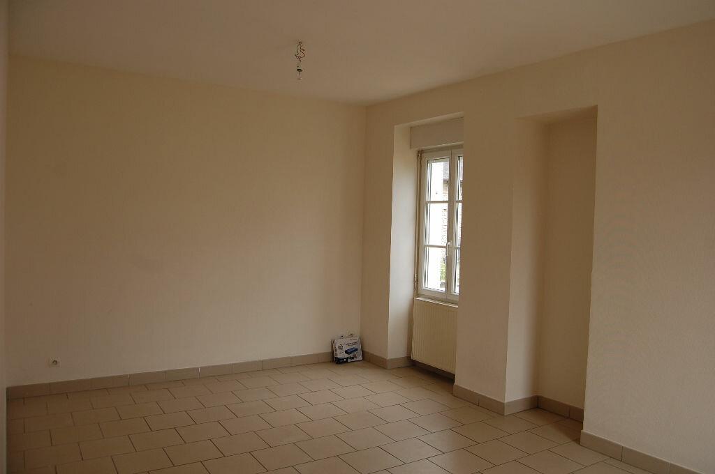 Location Maison 5 pièces à Veaugues - vignette-5