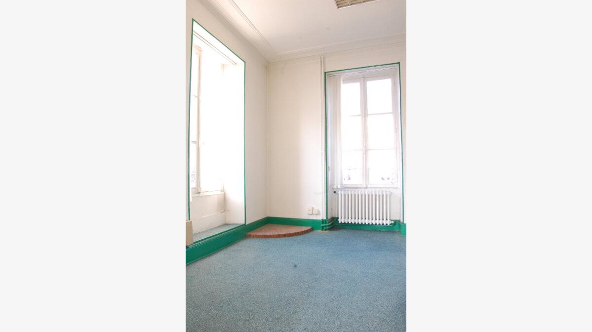 Achat Maison 5 pièces à Vailly-sur-Sauldre - vignette-6