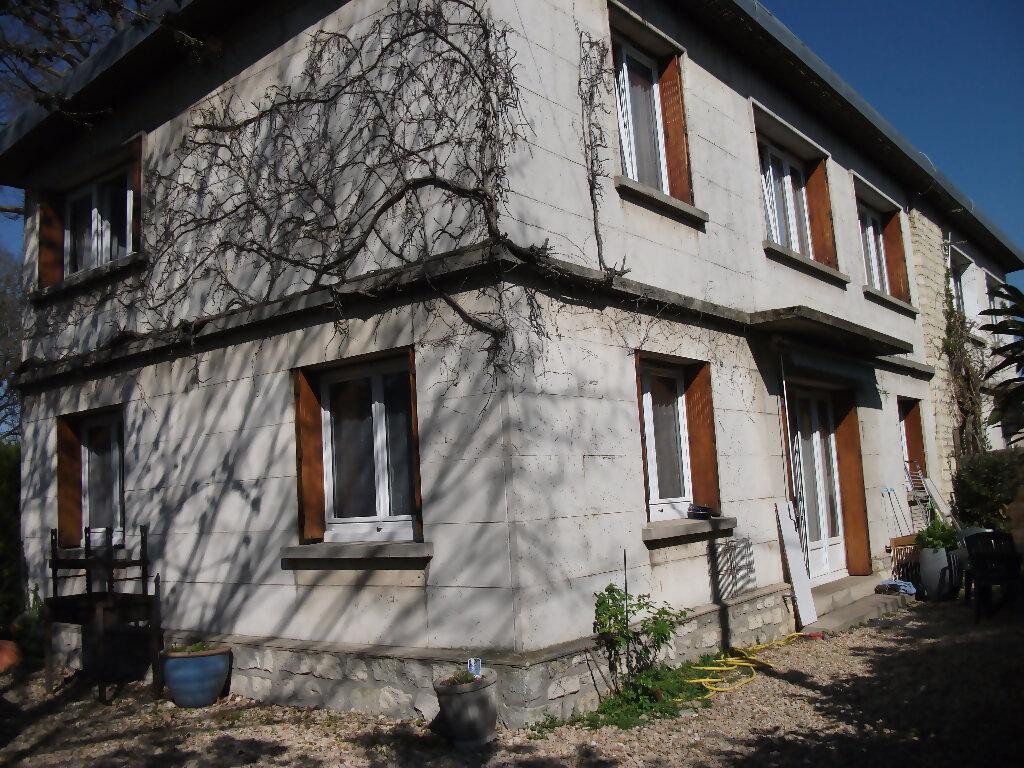 Location Maison 7 pièces à Meaux - vignette-1