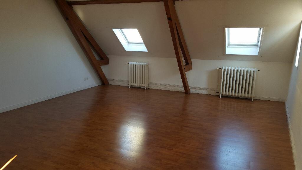 Location Appartement 3 pièces à Steenvoorde - vignette-1