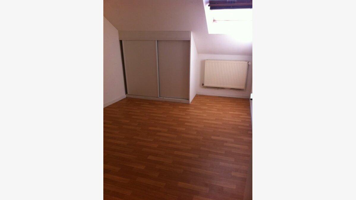 Location Appartement 4 pièces à Noyon - vignette-4