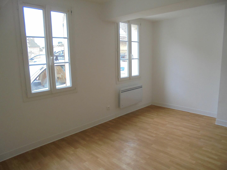 Location Appartement 1 pièce à Noyon - vignette-1