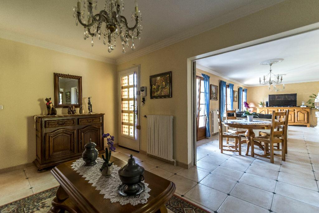 Achat Maison 10 pièces à Mont-Notre-Dame - vignette-4