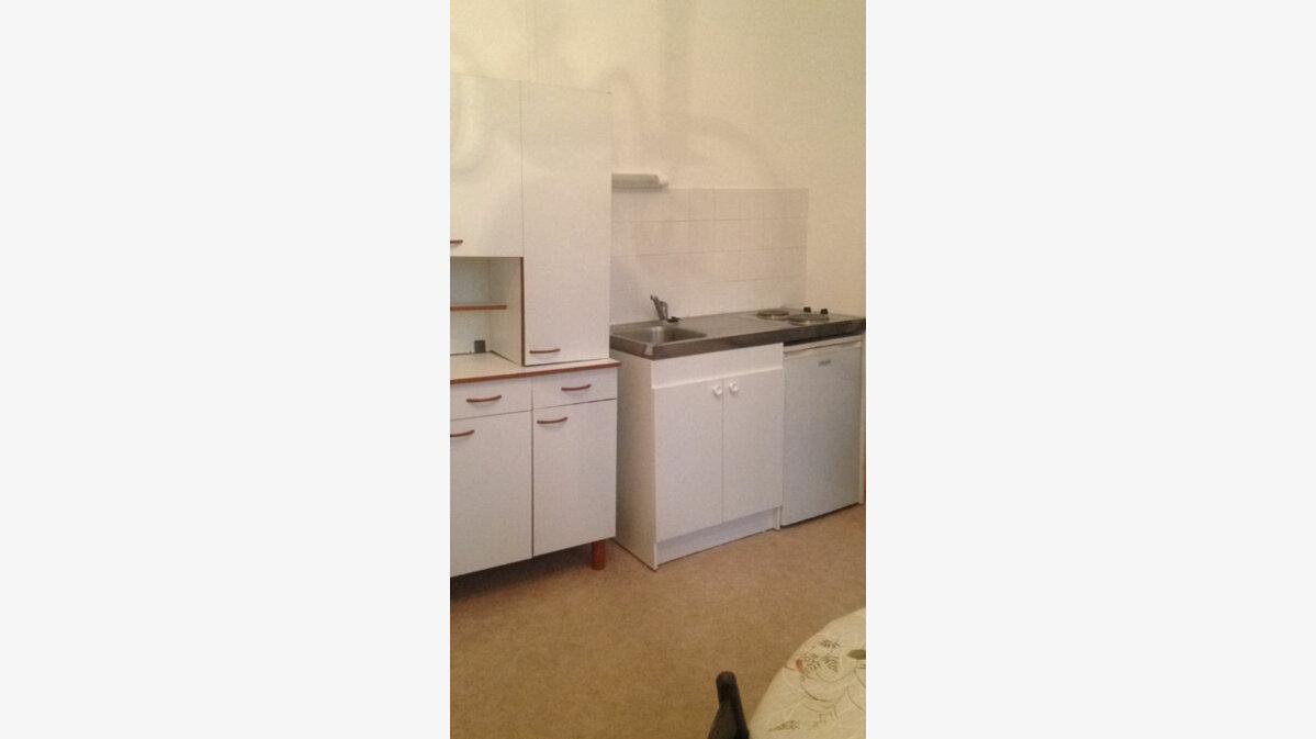 Location Appartement 1 pièce à Laon - vignette-1