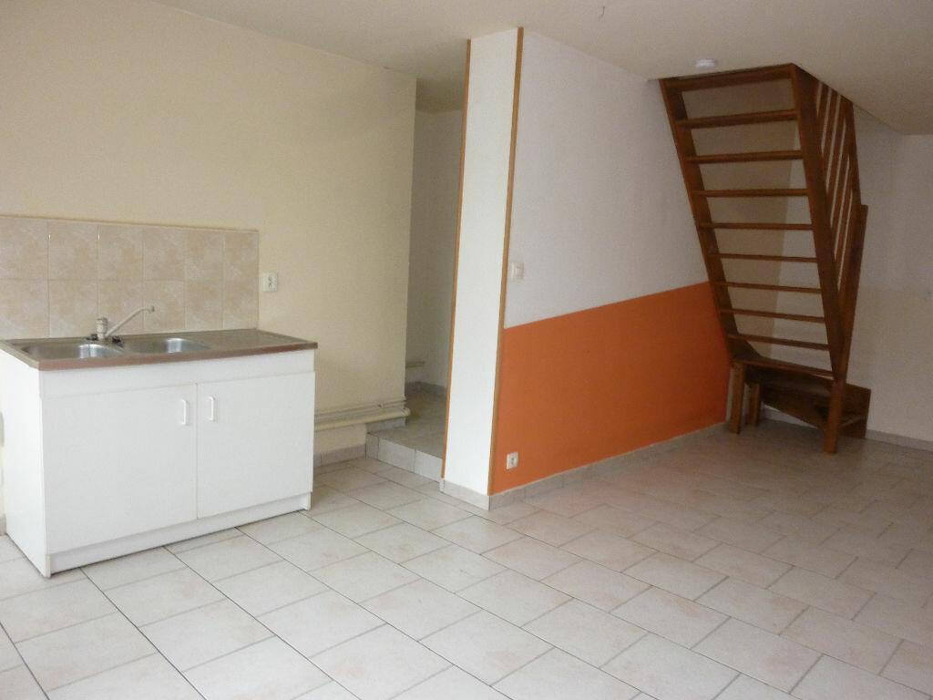 Location Appartement 3 pièces à Marle - vignette-2