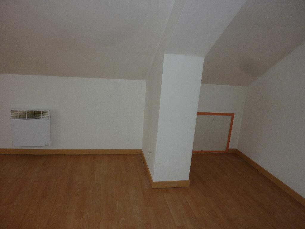 Location Appartement 3 pièces à Marle - vignette-8