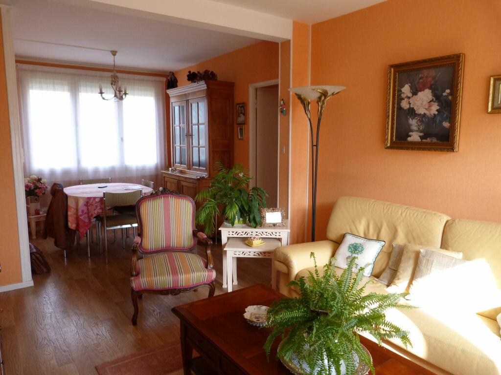 Achat Appartement 5 pièces à Laon - vignette-1
