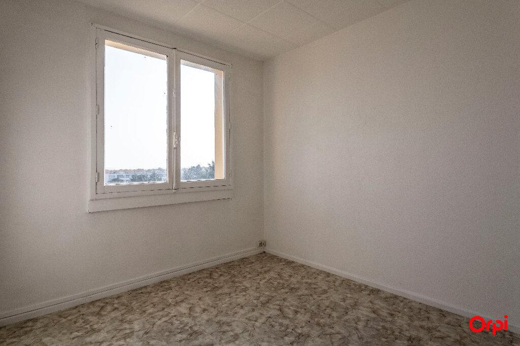 Location Appartement 4 pièces à Laon - vignette-5