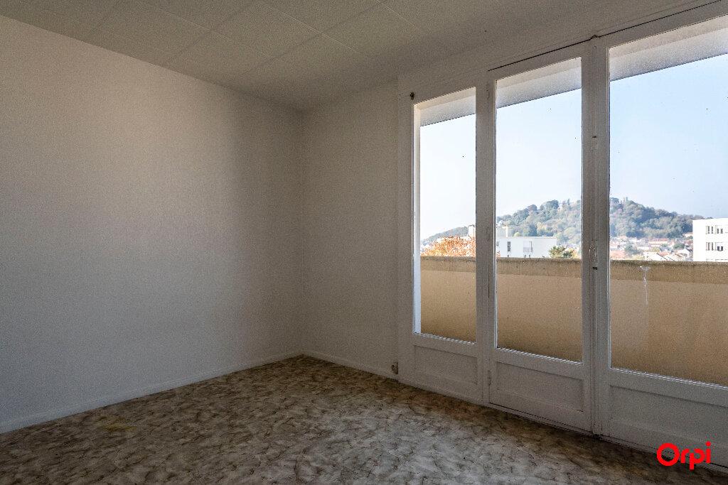 Location Appartement 4 pièces à Laon - vignette-6