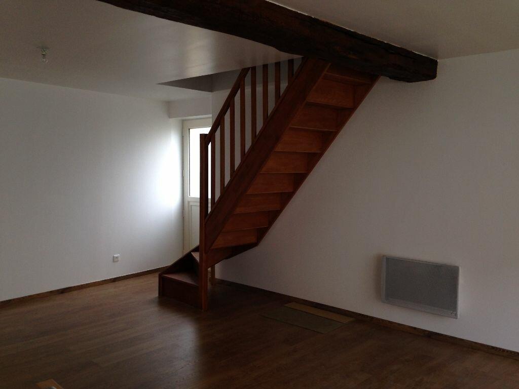 Location Maison 4 pièces à Laon - vignette-2