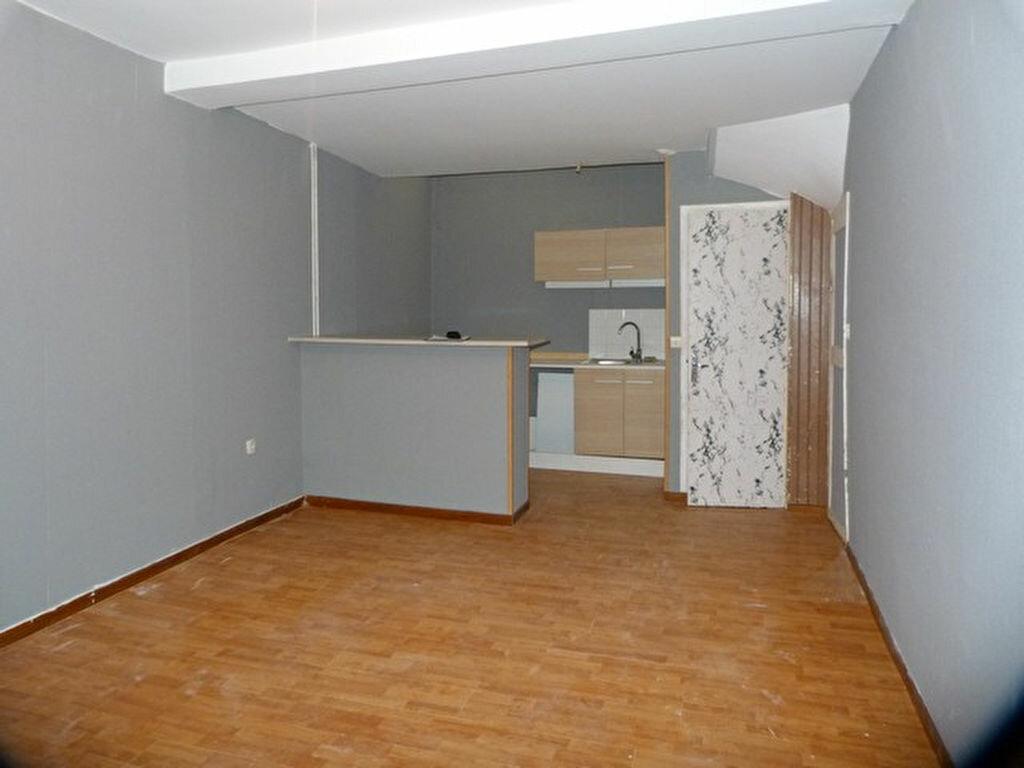 Location Maison 5 pièces à Laon - vignette-2
