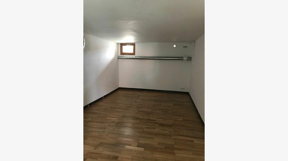 Location Appartement 4 pièces à Froidmont-Cohartille - vignette-3